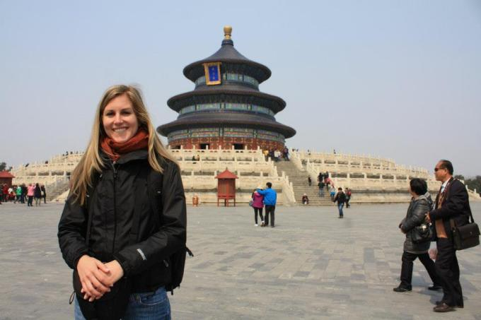 Kimberly Hetherington at the Temple of the Sun, Beijing | Life After Elizabeth