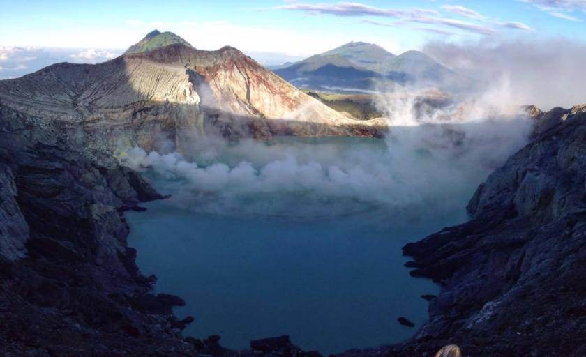 hiking Mount Ijen, Indonesia | Life After Elizabeth