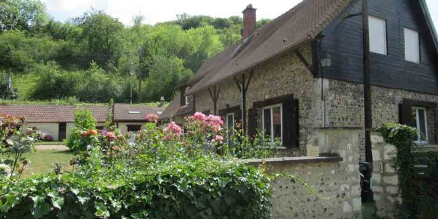 The cottage in Normandy by the river Seine